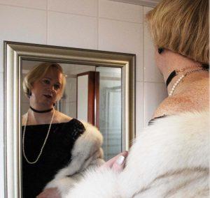 lady_kathy-bdsm-meesteres_spiegel